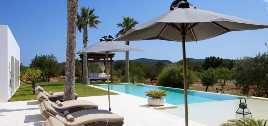 Can Morna Luxury Villa - Home for a Week - Got Into Pool Via a Rubber Ring!!