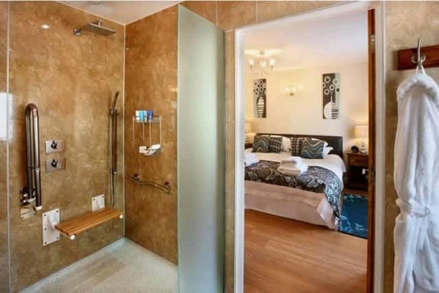 Kernock Cottages' stylish accessible bathroom