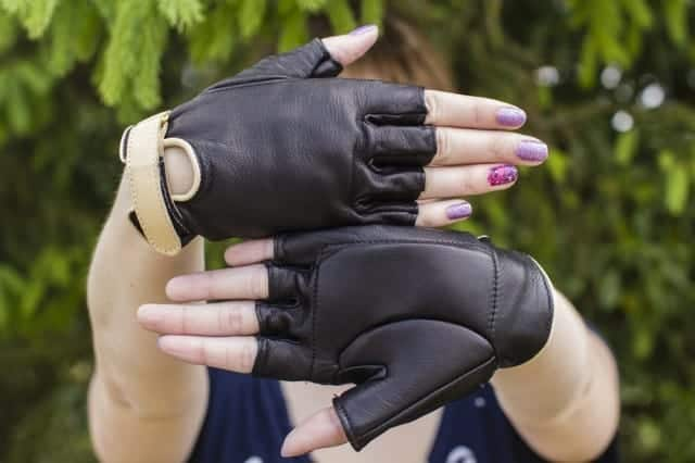 Tanni Leather Wheelchair Gloves Available in Black, Turquoise or Navy Blue